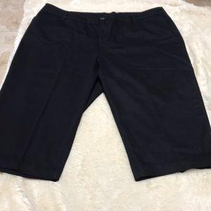 Black St. John's Bay Black Capri's Size 2X